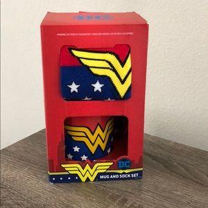 DC Wonder Woman Mug and Sock set